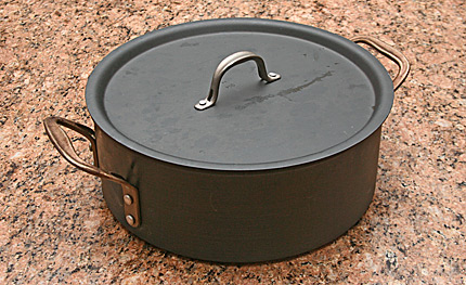 Calphalon 8.5 quart Dutch oven.