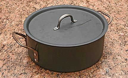 Calphalon 8.5 quart Dutch oven.