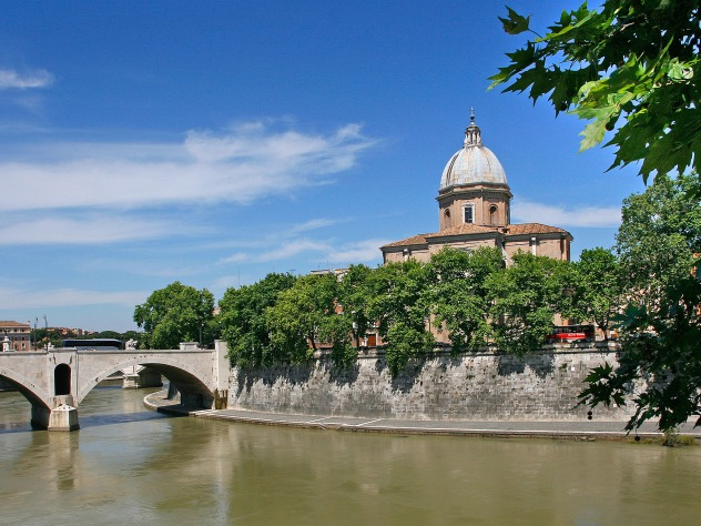 San Giovanni de' Fiorentini, along the Tiber river.